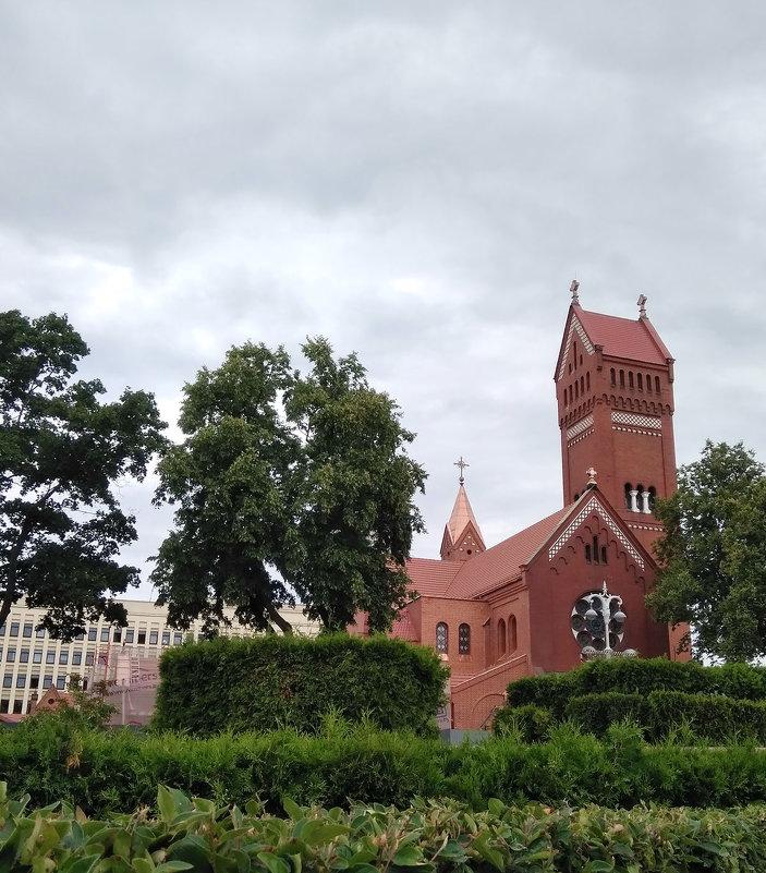 Костёл святого Симеона и святой Елены (часто называемый Красным костёлом), г. Минск - Tamara