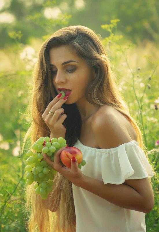 Девушка-лето - Сергей Форос