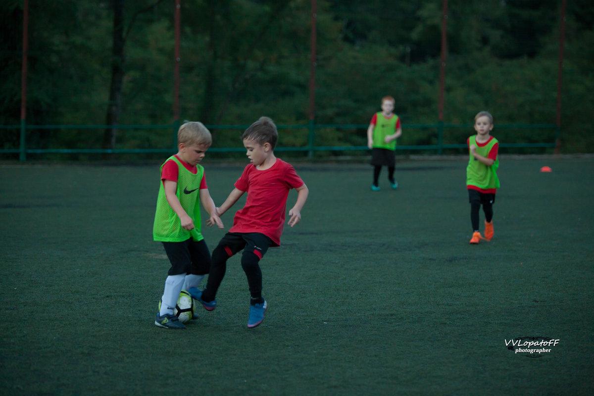 Подрастающее поколение 1 в футболе - Владислав Лопатов