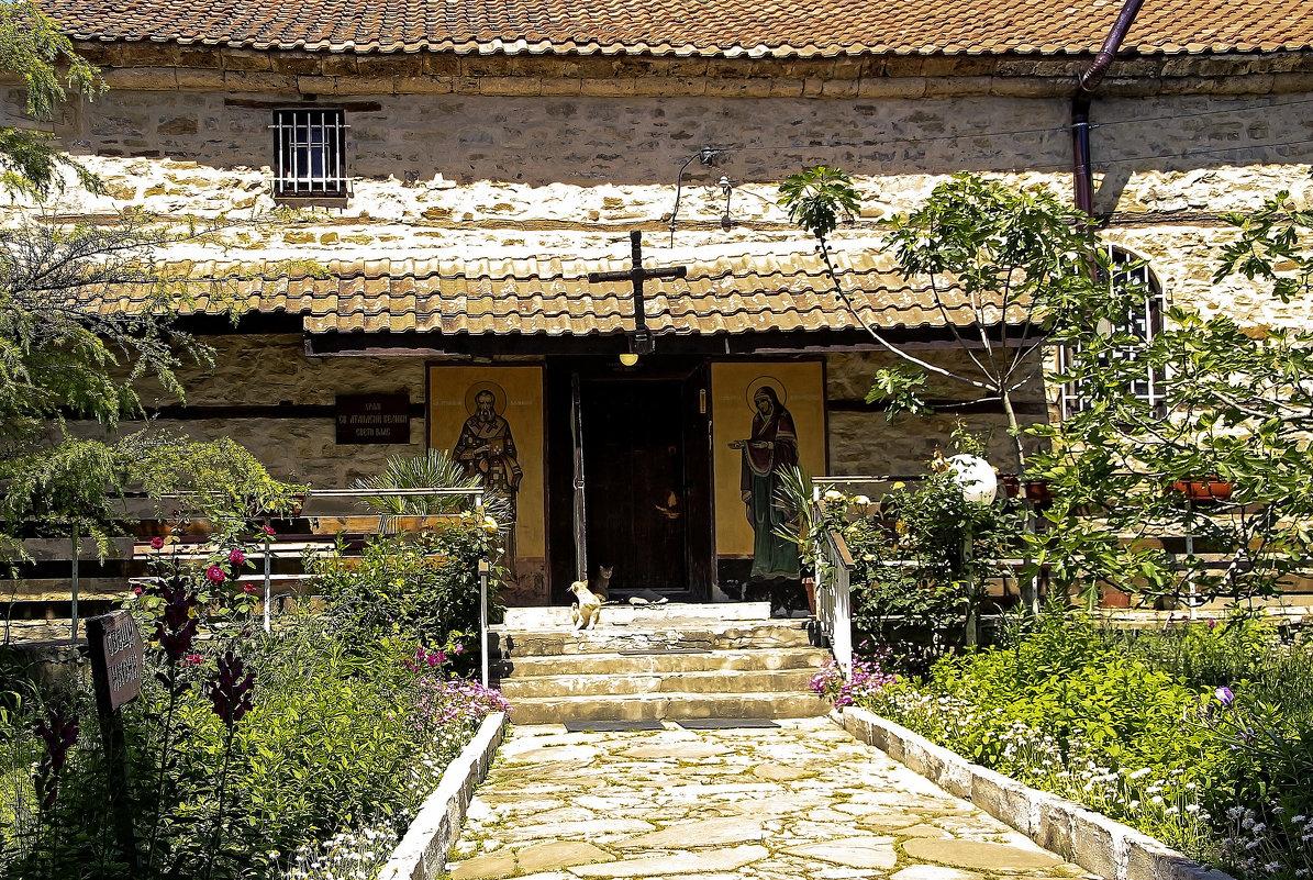 Дворик Храма Святого Афанасия Великого, - Alexander Andronik