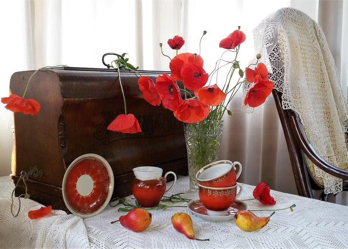 Маки с красными чашками - Людмила