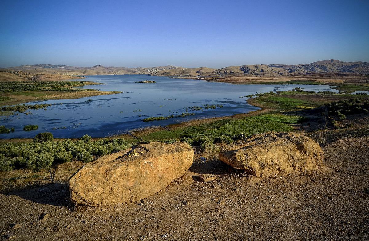 Два камешка на солнышке... (обычный марокканский пейзаж)