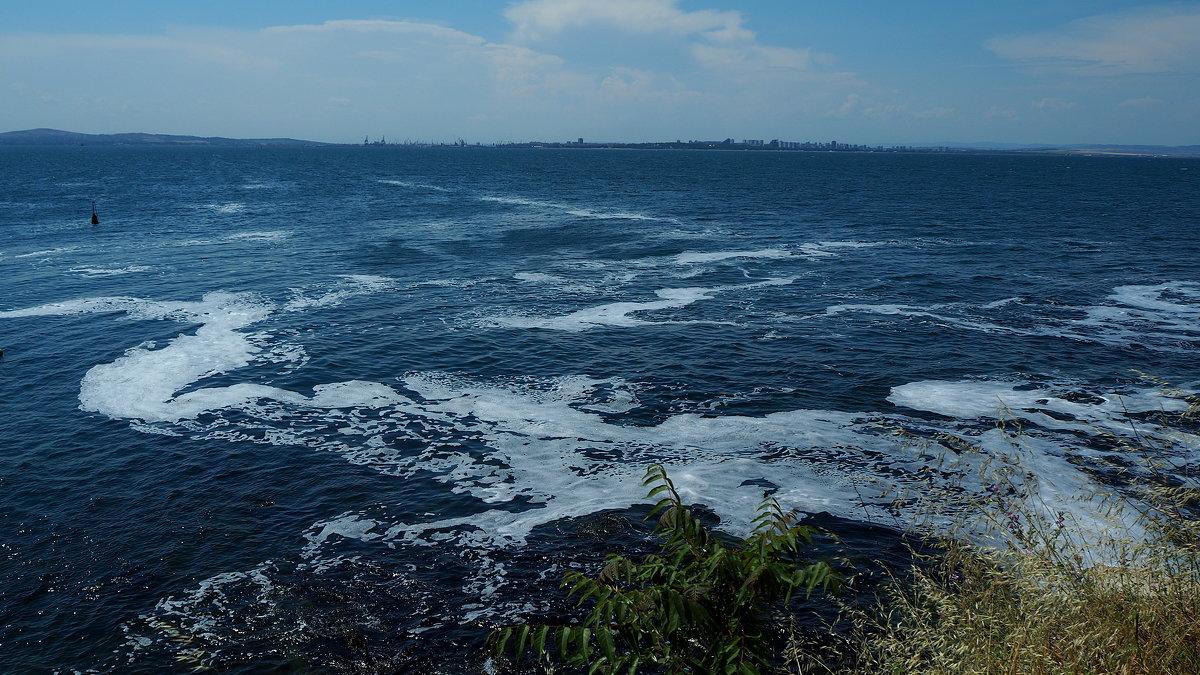 Вид на Бургасский залив Чёрного моря - Swetlana V
