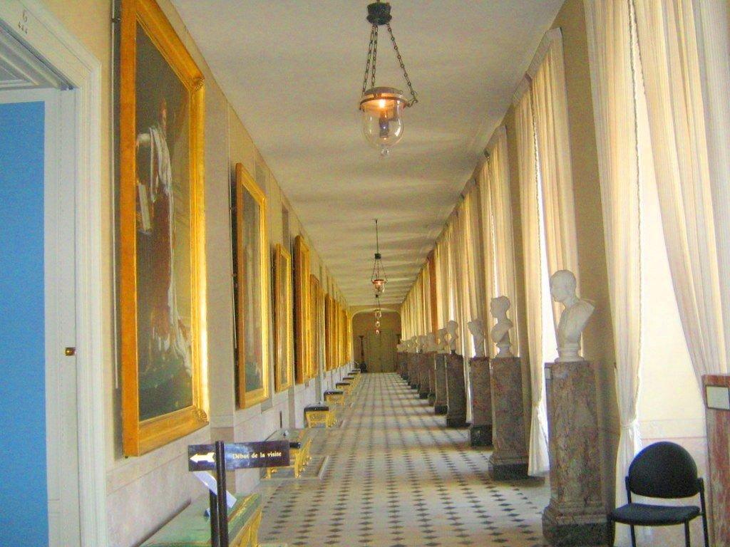Галерея прихожая дворца Фонтебло - Гала