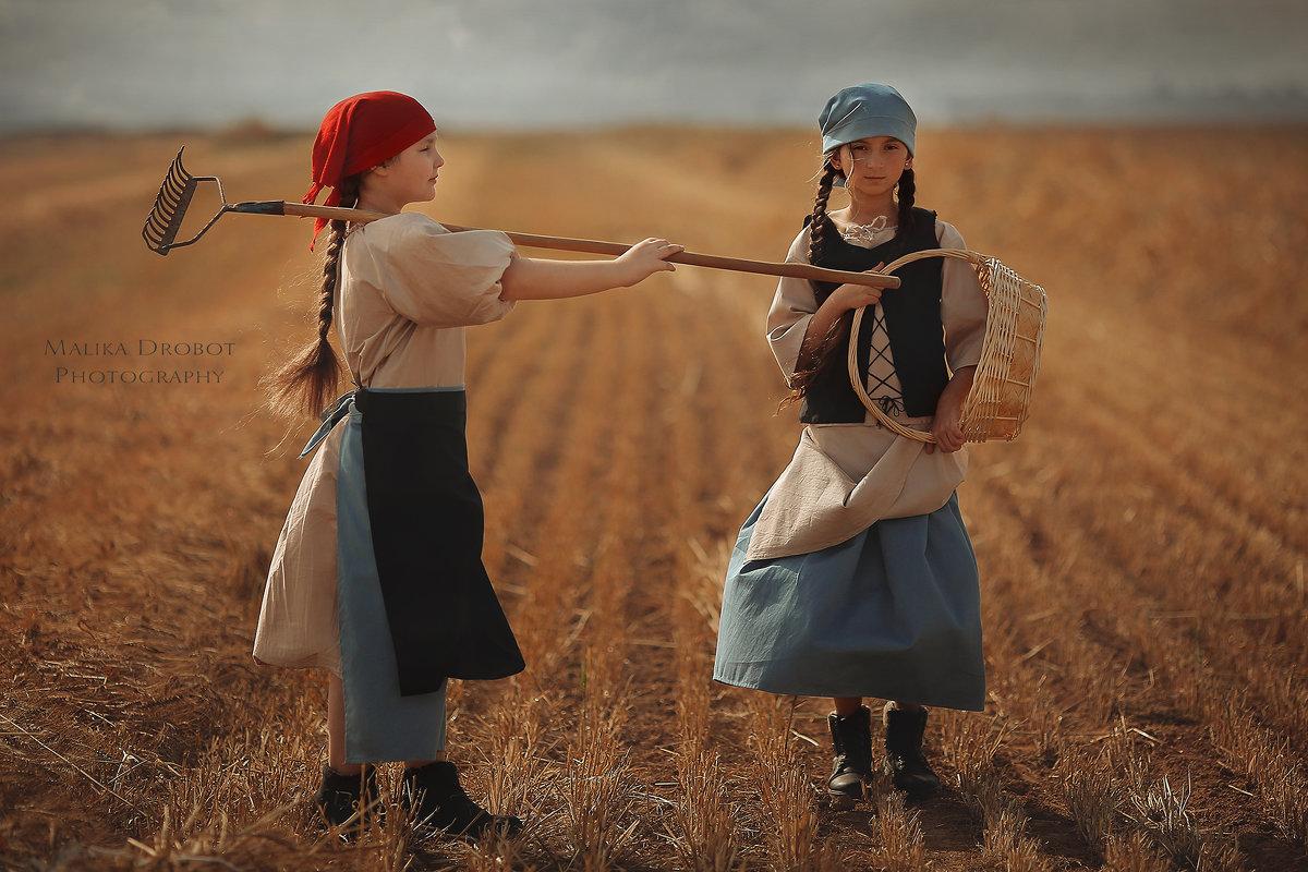collective farmer - Malika Drobot