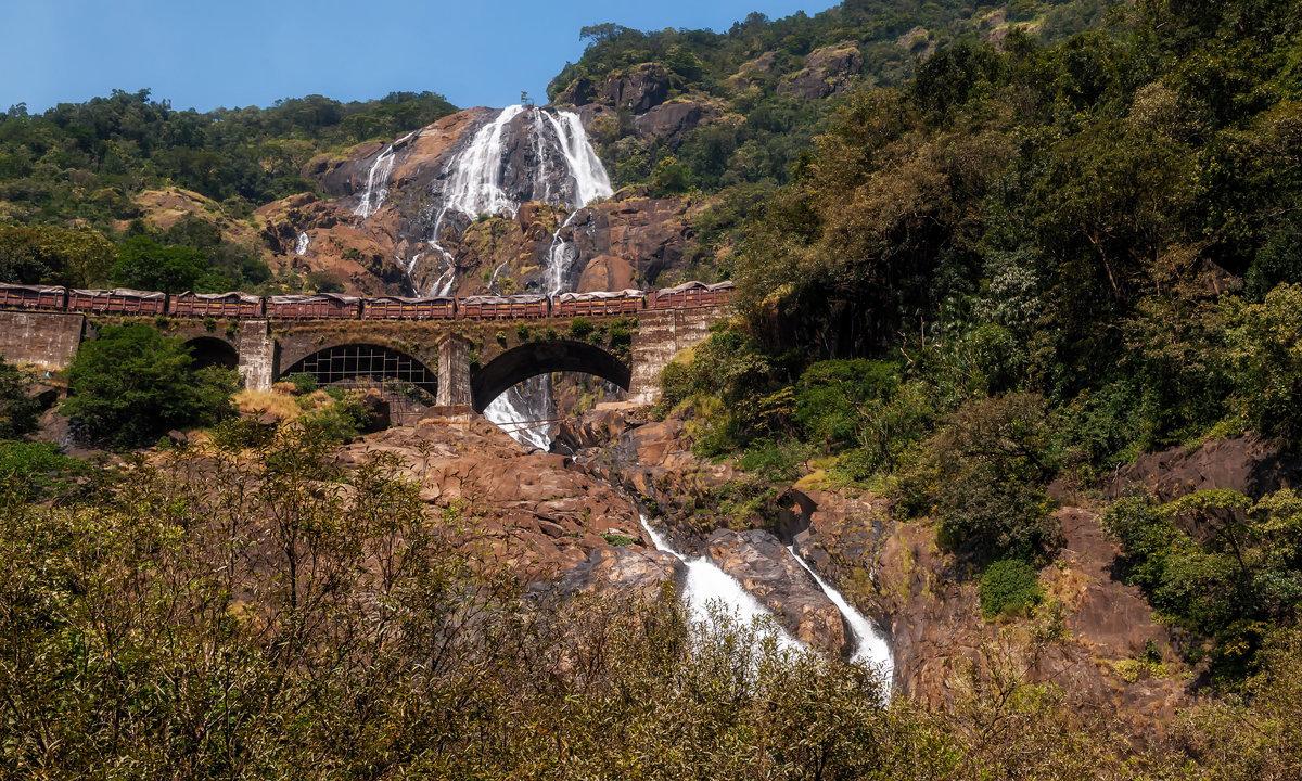 Акведук и каскад водопадов...Гоа,Индия! - Александр Вивчарик