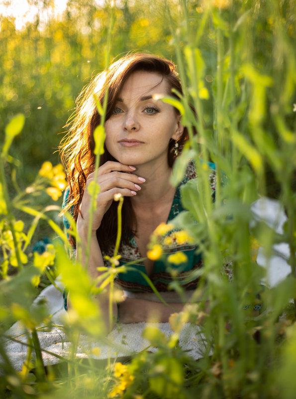 девушка, поле, лето - Ася Гречуха