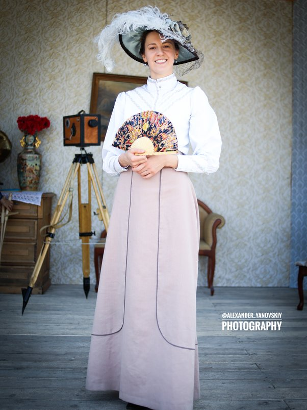 девушка в шляпе - Александр Яновский