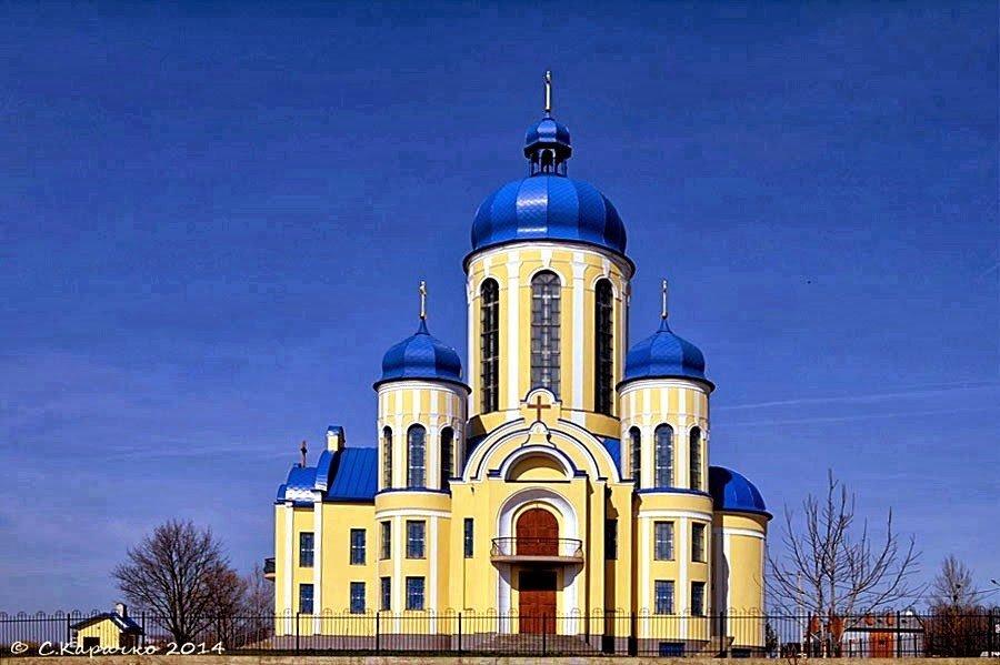 Чернівці - церква Володимира Великого - Степан Карачко
