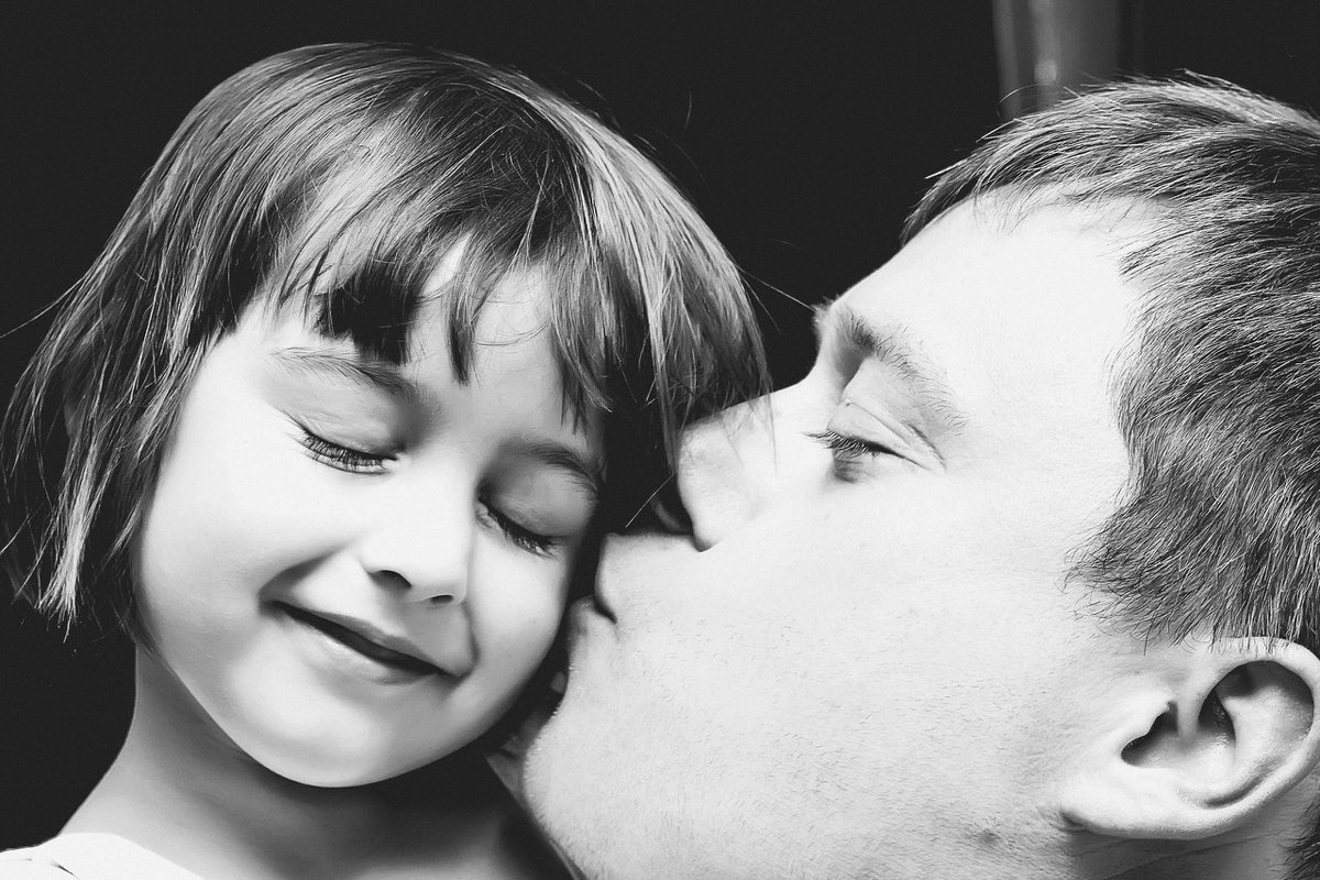Папа и дочь - Александра Уварова