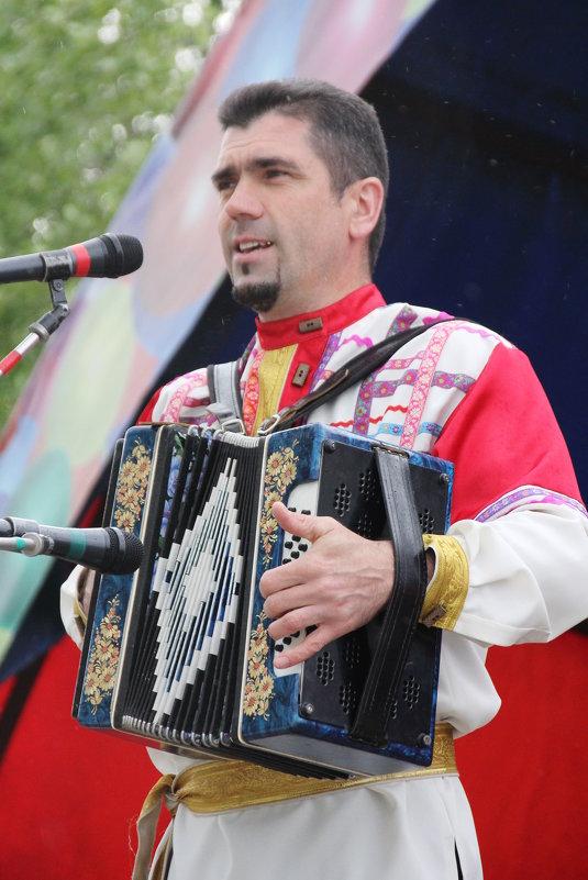 Василий Селезенев на сцене... - Александр Широнин