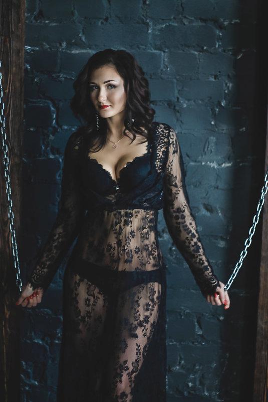 Девушка в черном - Альбина Хасаншина