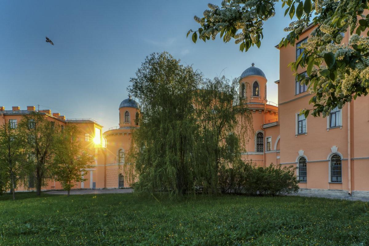 Чесменский дворец вечером - Владимир Колесников