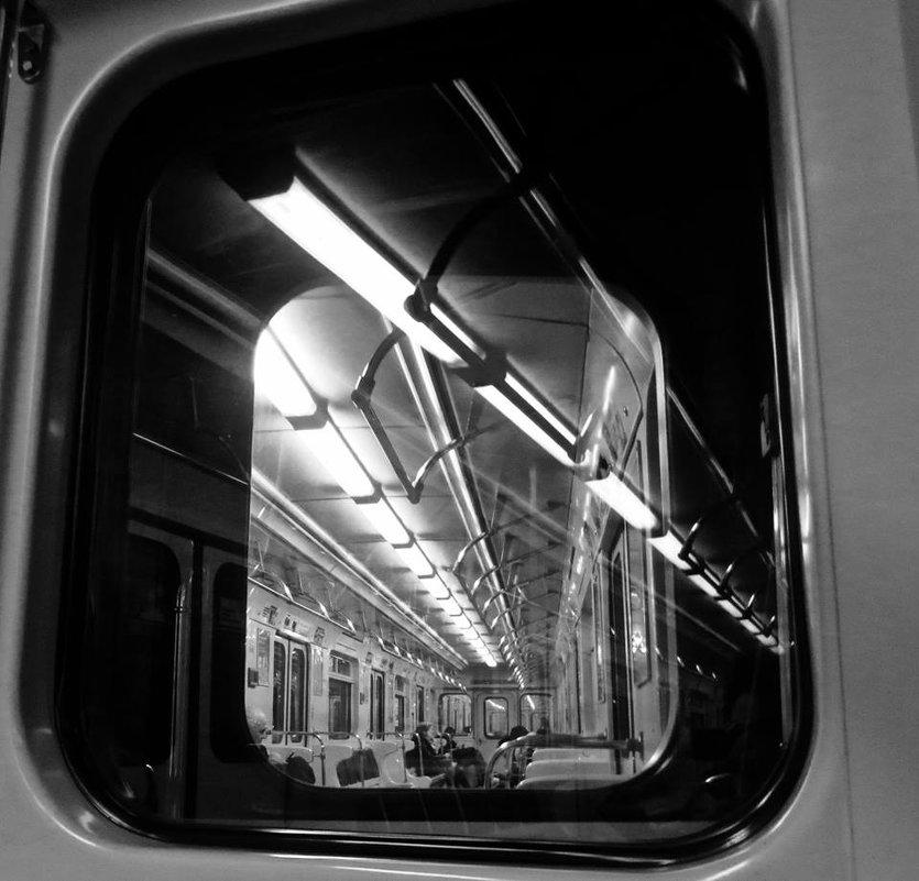 в метро - Елена