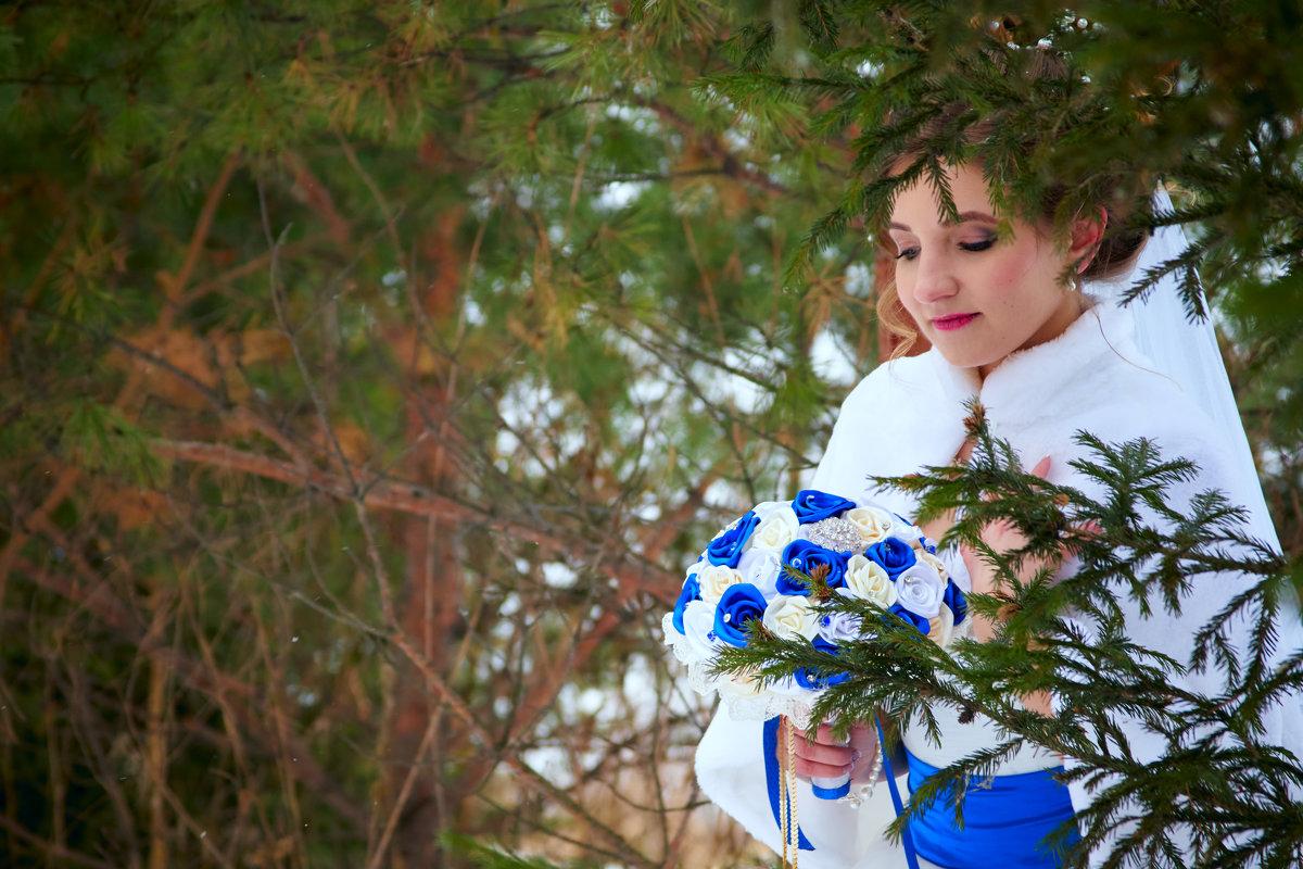 в дремучем лесу - Артур Неустроев