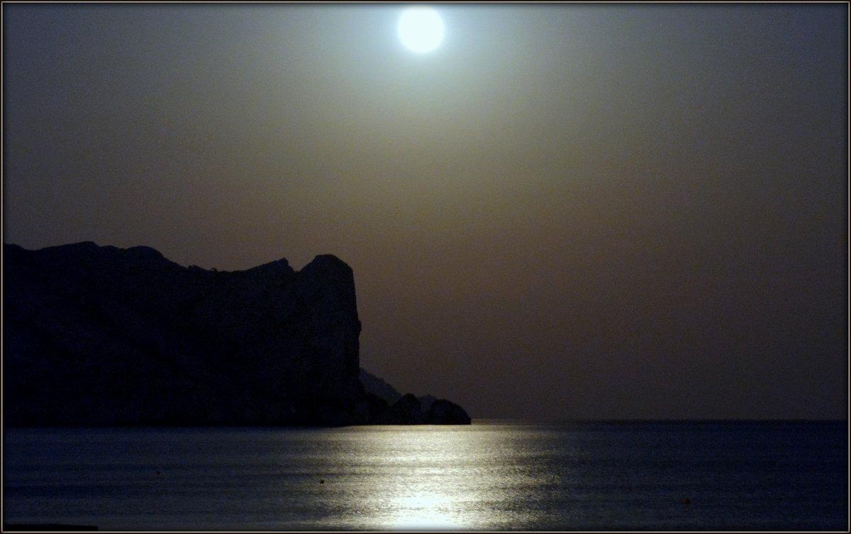Лунный пейзаж Судака - Михаил