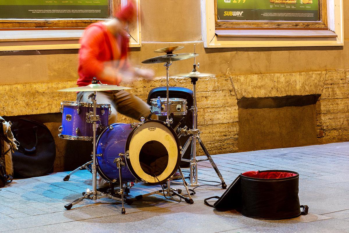 Ночной барабанщик - Андрей Николаевич Незнанов