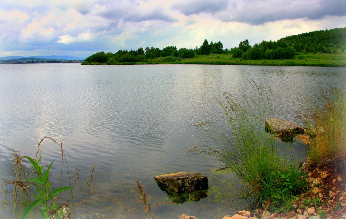 Пролетал над озером июль... - Нэля Лысенко