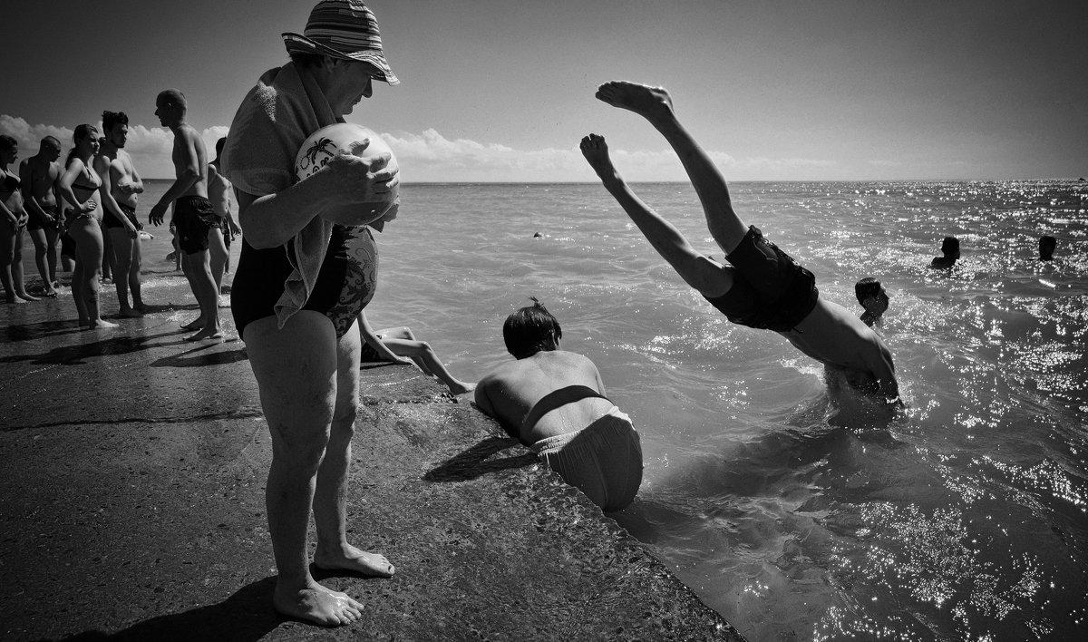 не утонет в речке мяч - Андрей Пашис