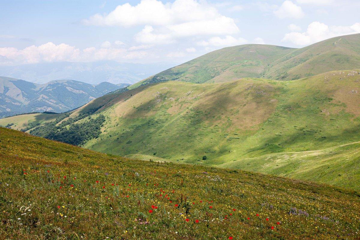 В горах Армении - Геннадий Мельников