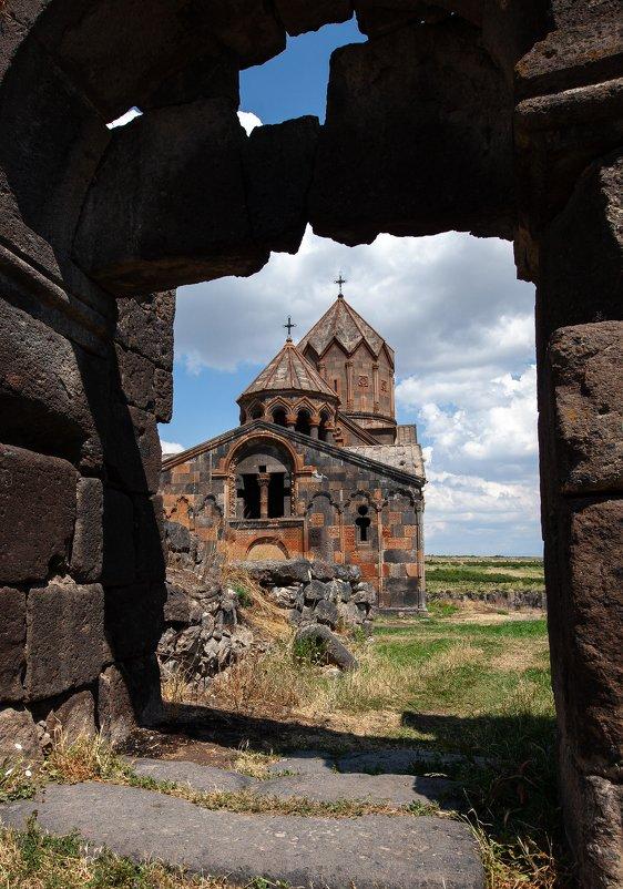 Одна из более, чем 2000 церквей Армении - Геннадий Мельников