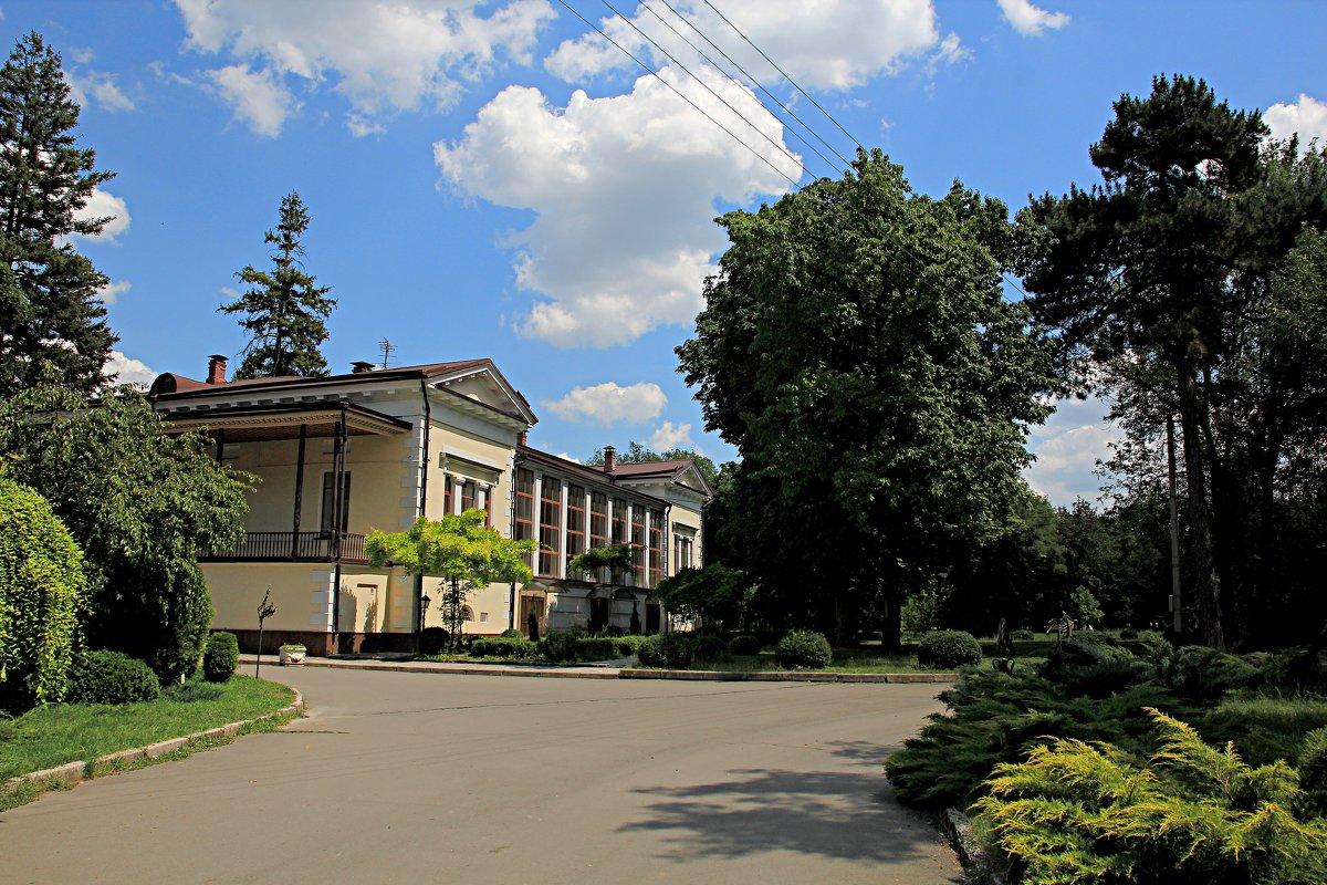 В парке КГУ - Валентин Семчишин