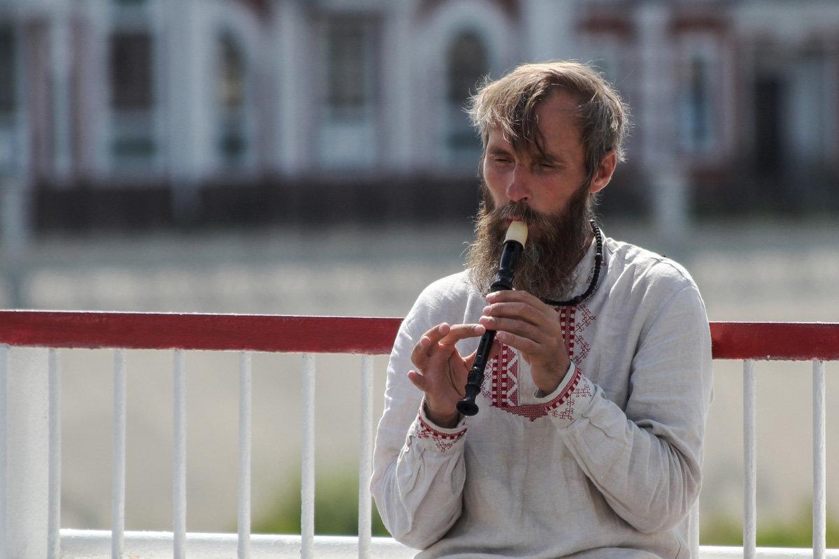 Мужчина с дудочкой - Алексей Петропавловский