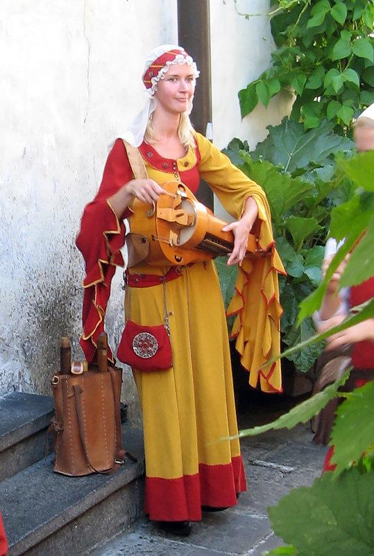 Средневековая девушка - Vyacheslav Gordeev