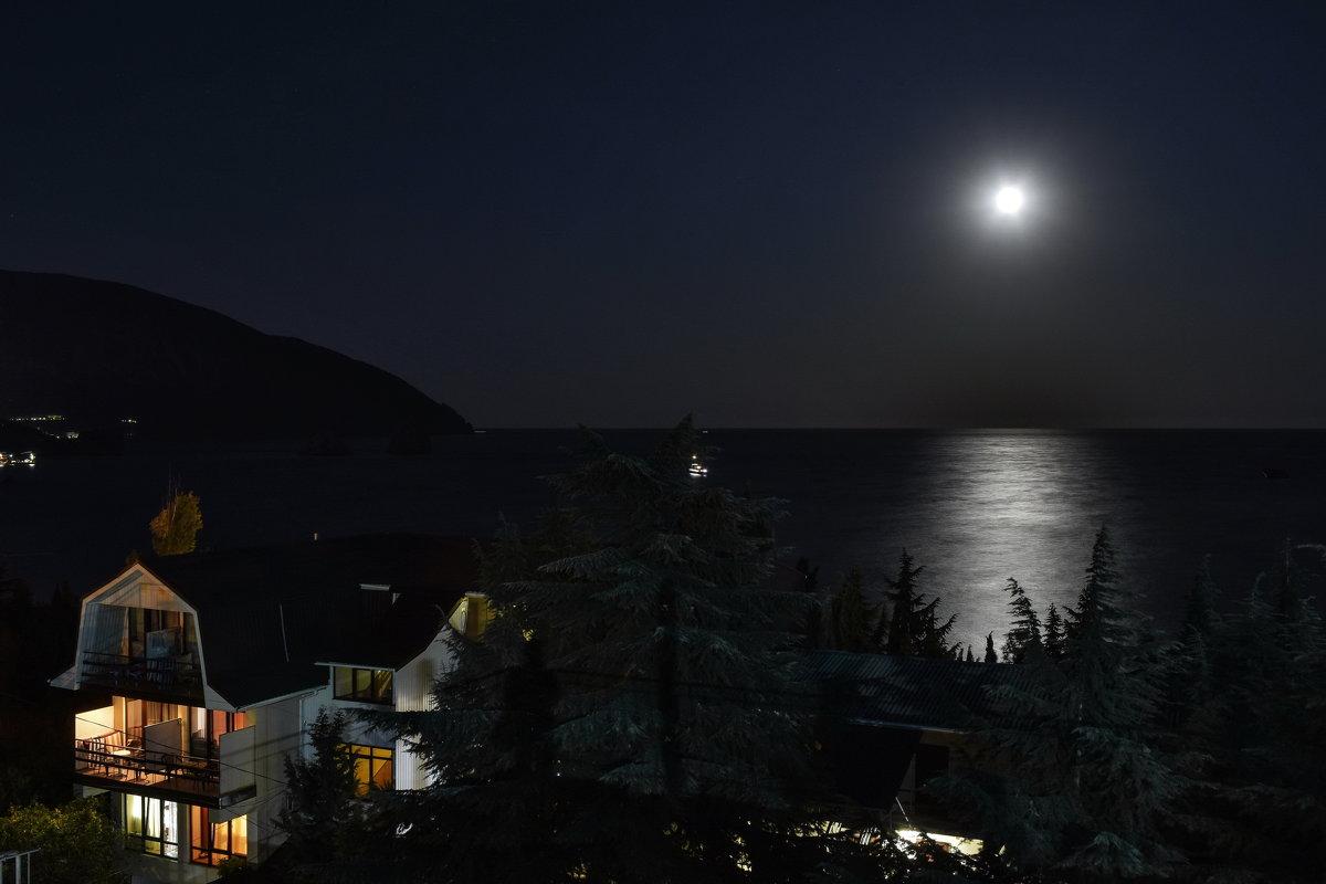 Лунная ночь в Гурзуфе - Игорь Кузьмин
