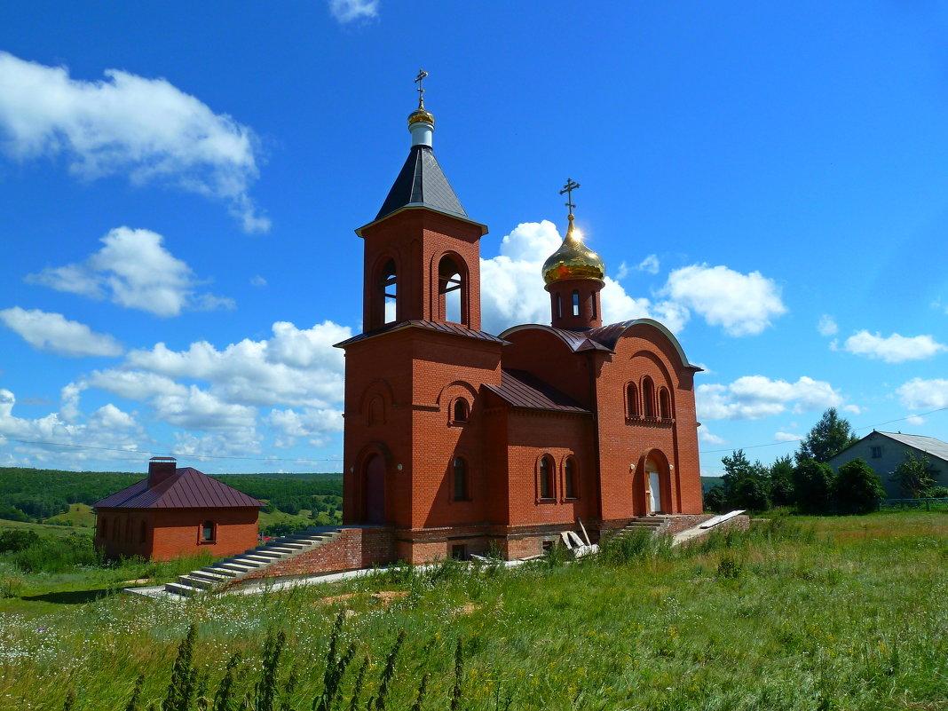 Строящаяся церковь в селе Ягодная Поляна - Лидия Бараблина
