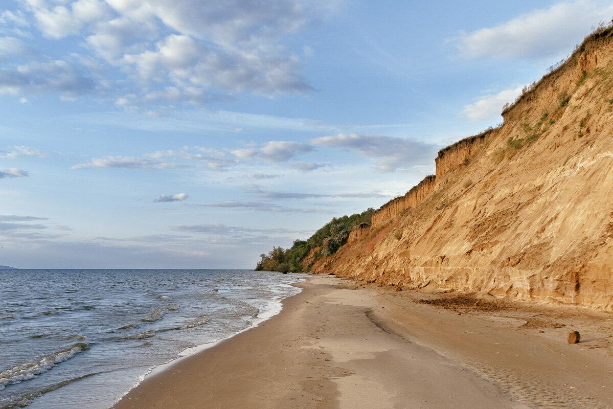 На берегу Жигулевского моря. - Олег Бабурин