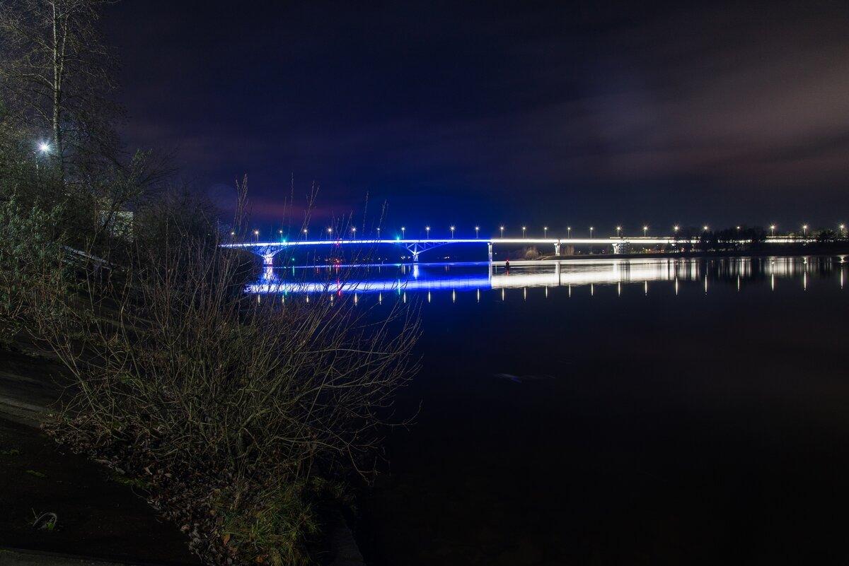 Мост через Волгу. - Виктор Евстратов