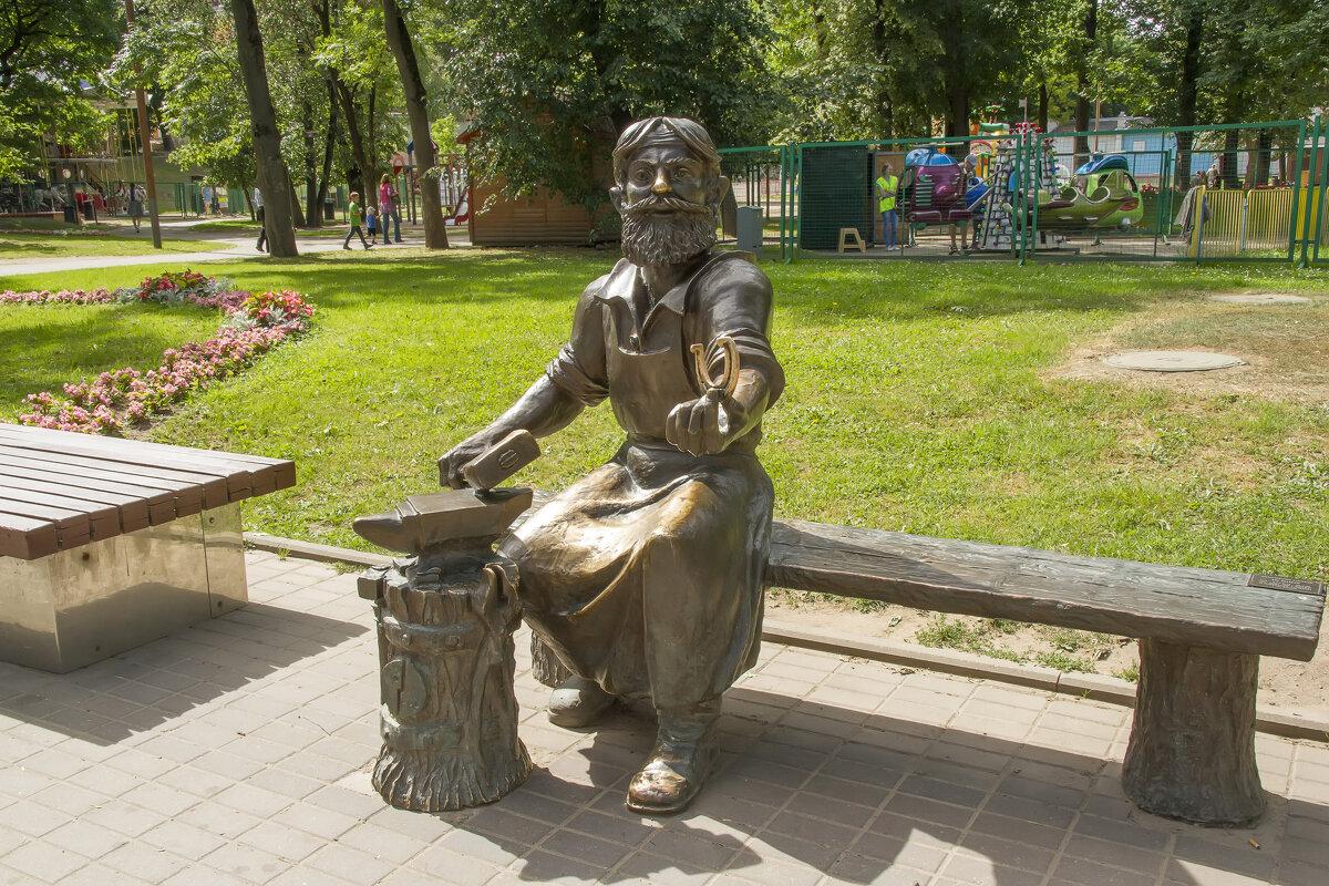Псков. Памятник скобарю - leo yagonen