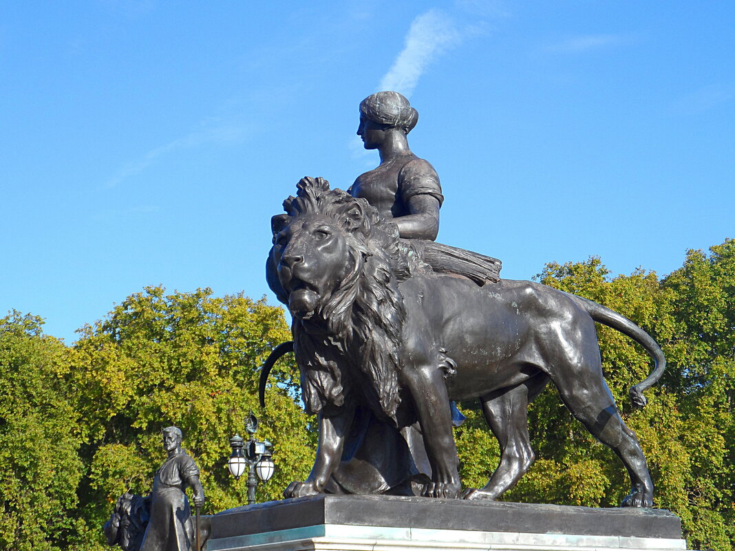 Мемориал королевы Виктории в Лондоне - Галина