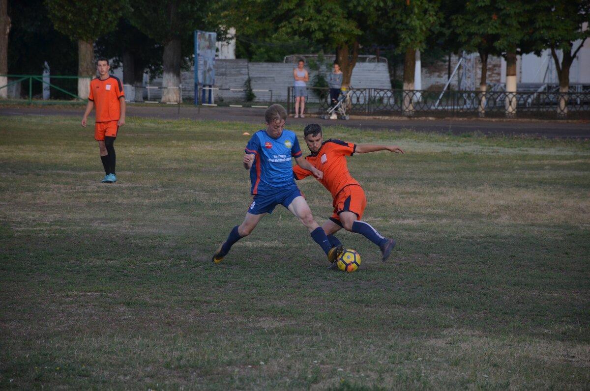 Городской футбол - Глеб Дубинин