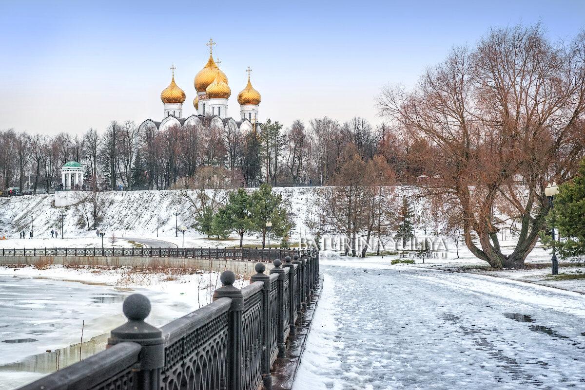 Успенский собор и набережная - Юлия Батурина