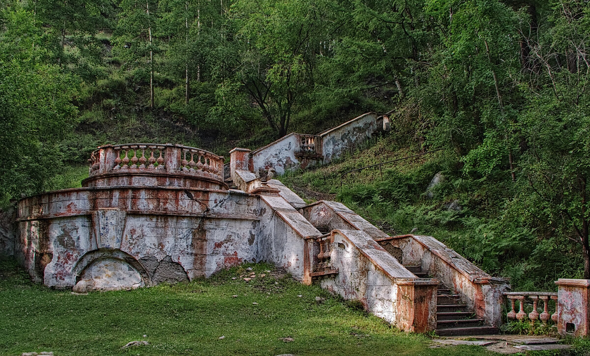 Старинная лестница - Николай