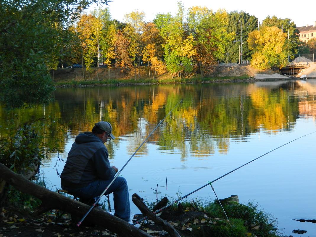 где лучшая рыбалка в октябре