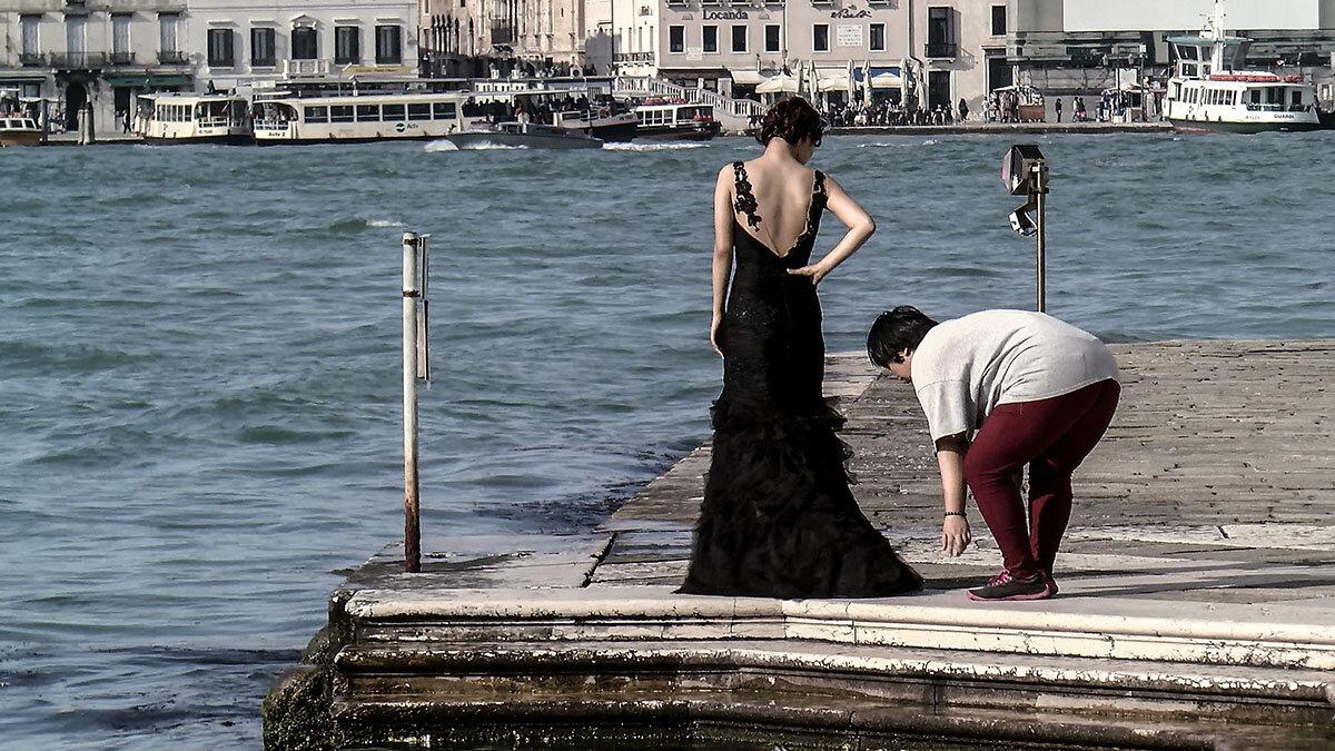 Venezia. Una modella e una costumista. - Игорь Олегович Кравченко