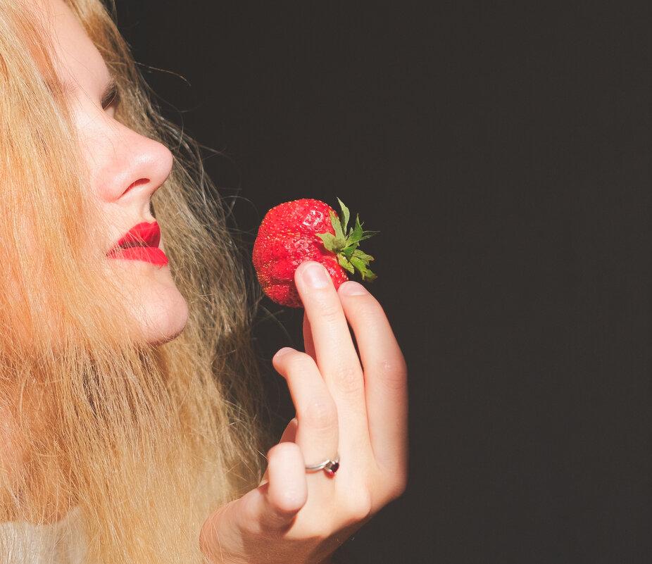 про ягоду - Dmitry i Mary S