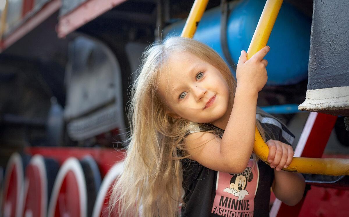 В Минске на ул. Воронянского установлен списанный паровоз Эр 789-94 – восторг всех детей - Глeб ПЛATOB