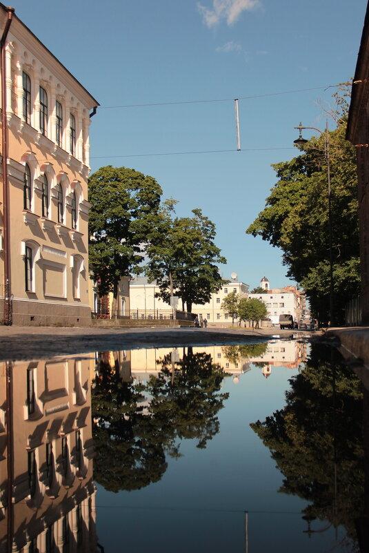 Утро на крепостной улице - Александр