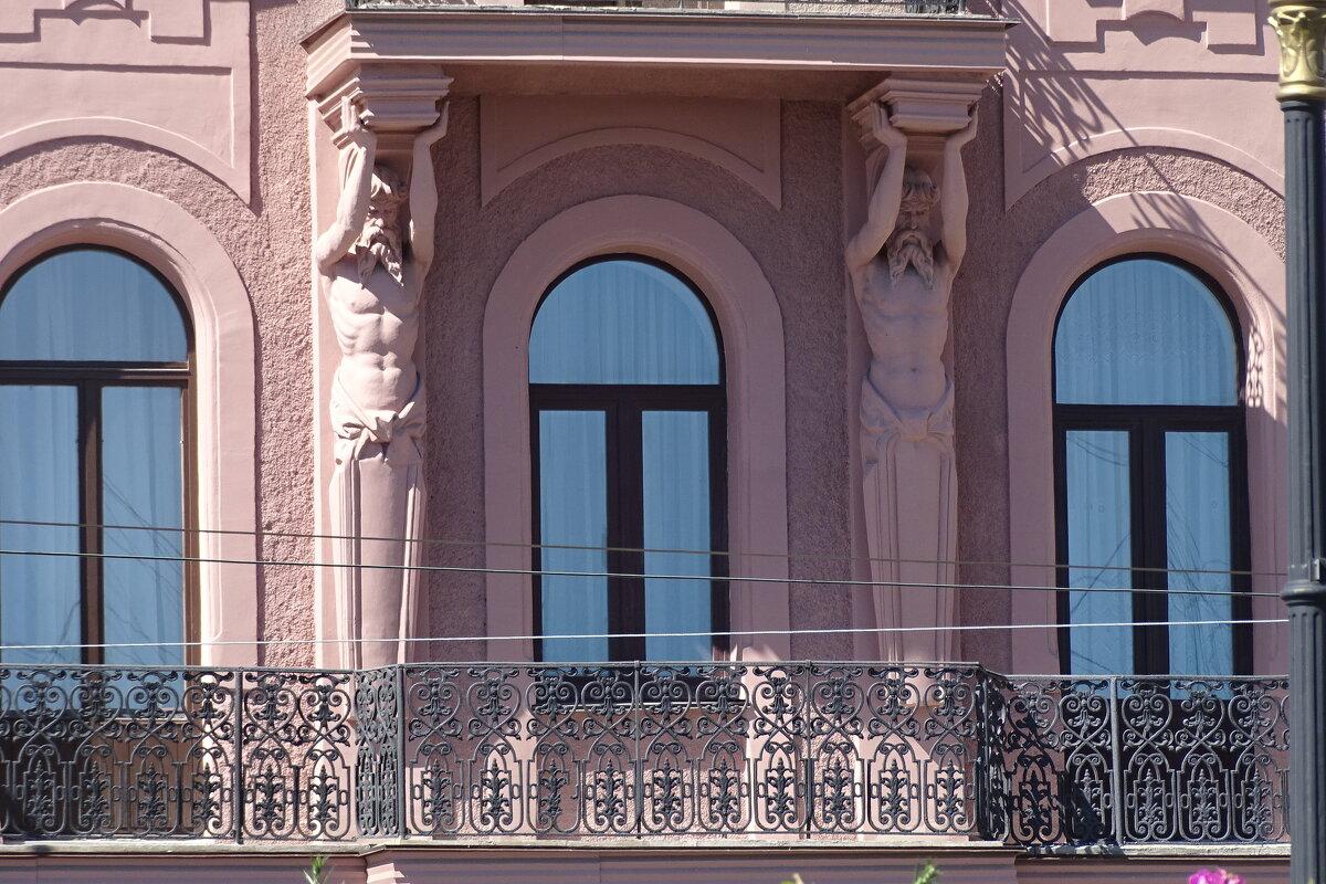 Фасады домов Санкт-Петербурга - Sabina