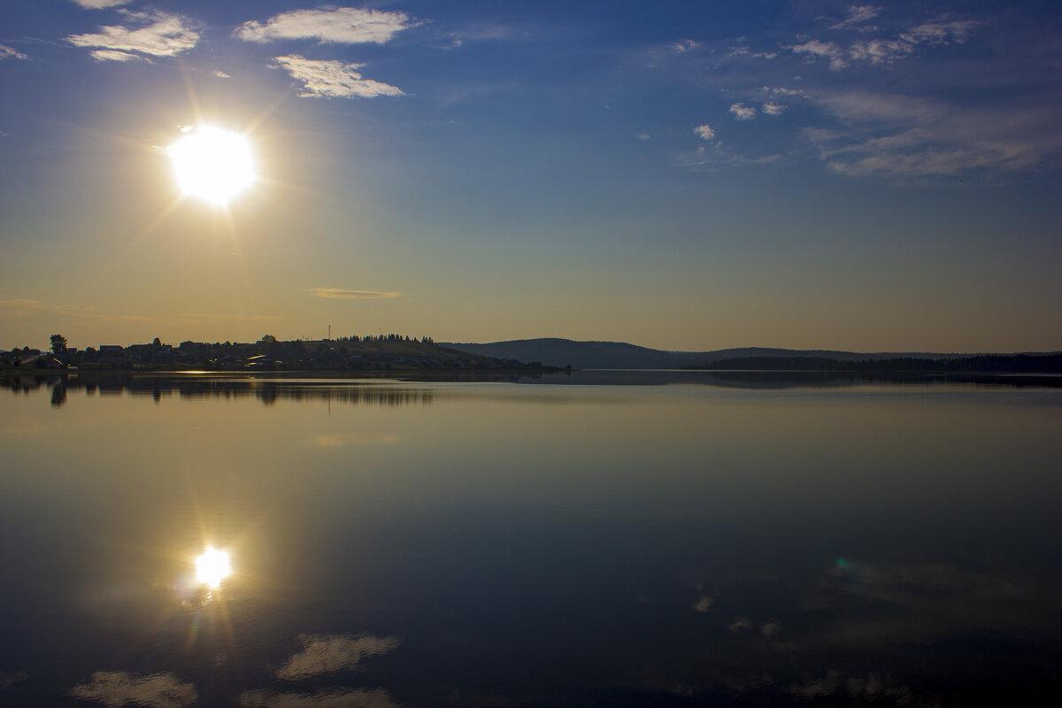 Два солнца - Александр Гладких