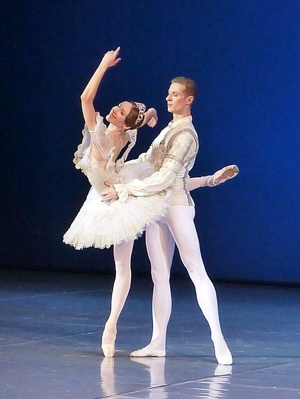 "Дуэт из балета ""Спящая красавица"" - Лидия Бусурина"