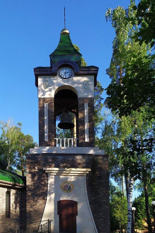 Церковь в Подмосковье - Фотогруппа Весна-Вера,Саша,Натан