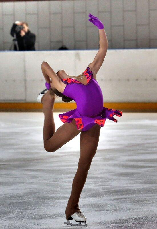 Фигуристка - Валерий