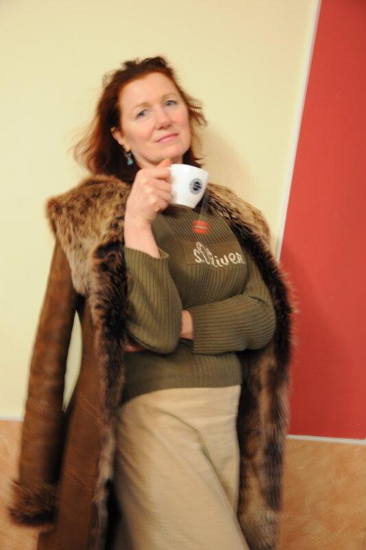Дама с чашкой - Борис