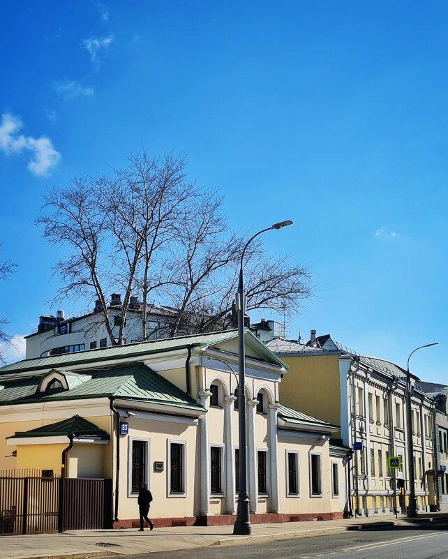 Москва. Улица Большая Полянка. - Надежда Лаптева