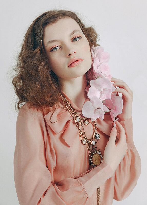 Нежный цветок - Olga Burmistrova